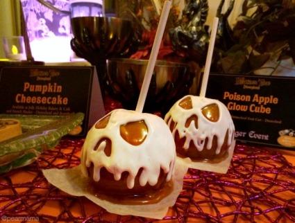 disneyland-halloween-time-candy-apple-sweet-treats.jpg